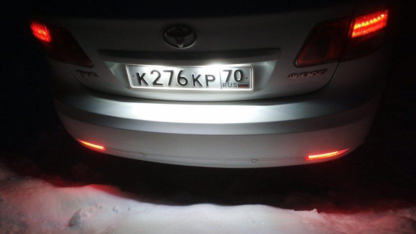 Подсветка номера автомобиля: примеры, требования и как сделать